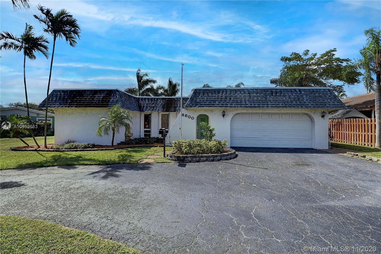 Now is your chance to live in East Boca!  This charming 3 bedroom Boca Raton Hills home has a split