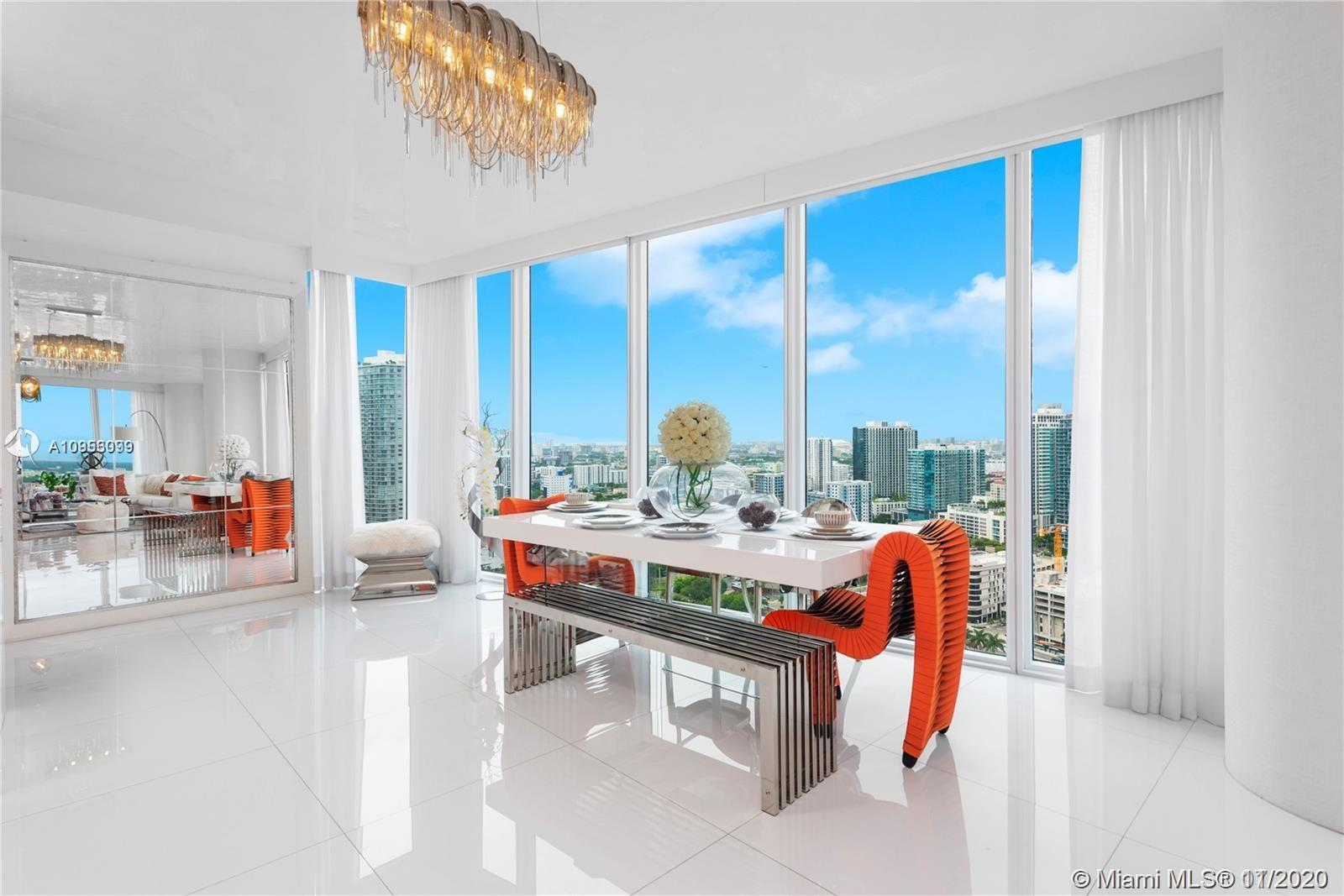 Absolutely Stunning Apartment on the 30th floor. In the Heart of midtown where you will have it all!