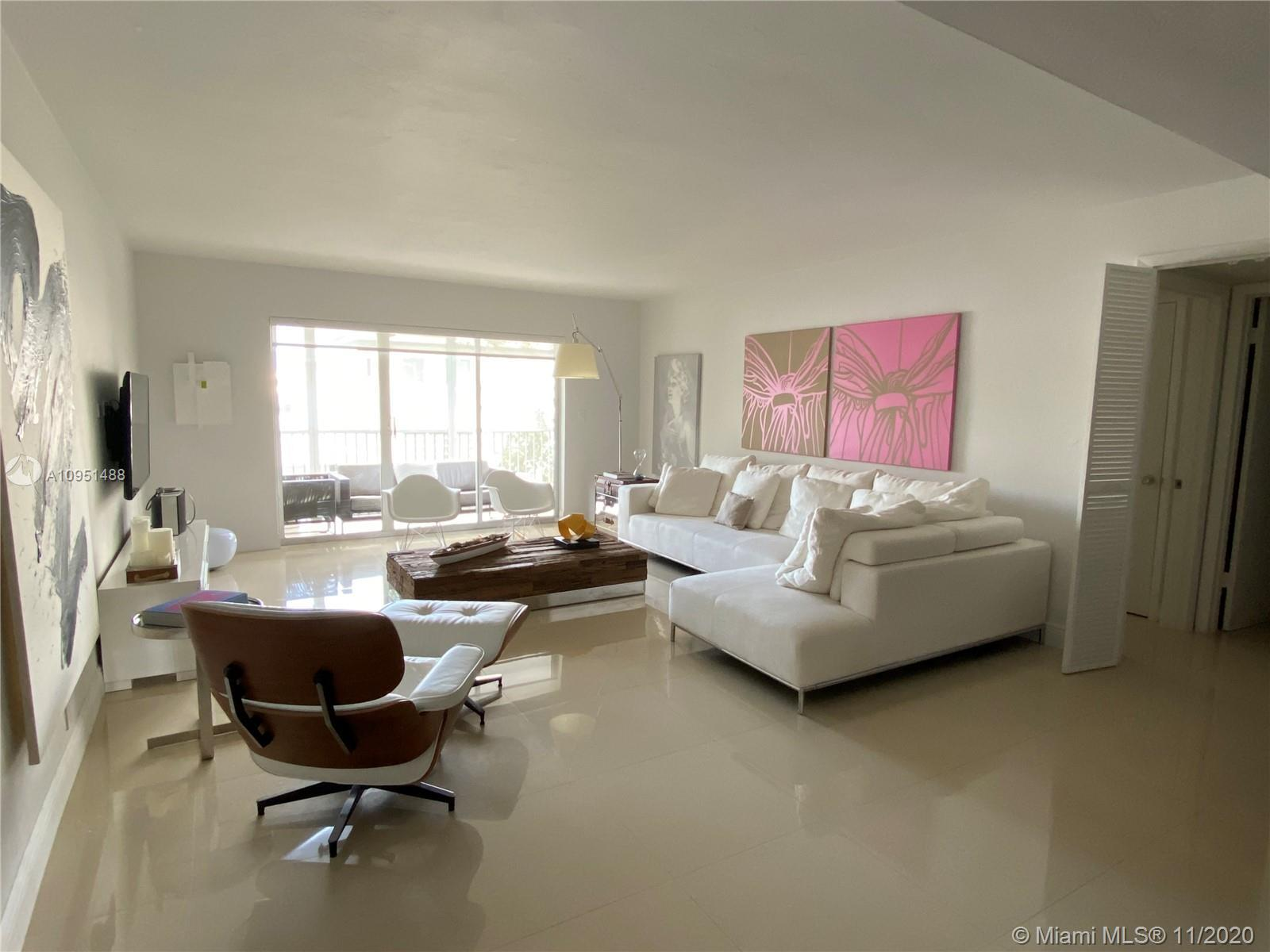 Beautiful 2/2 apartment in Admiralty's Pointe within the calm and quiet city of Bal Harbour. Walking