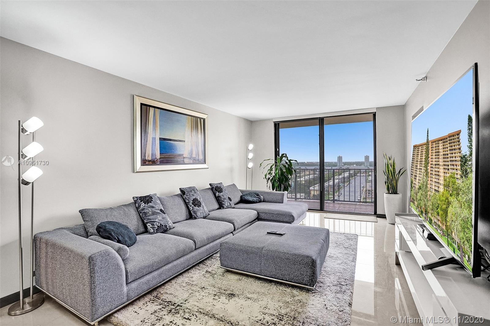 Fully renovated  2 Bedroom / 2 Bathroom unit with beautiful Intracoastal & City views. Spacious clos