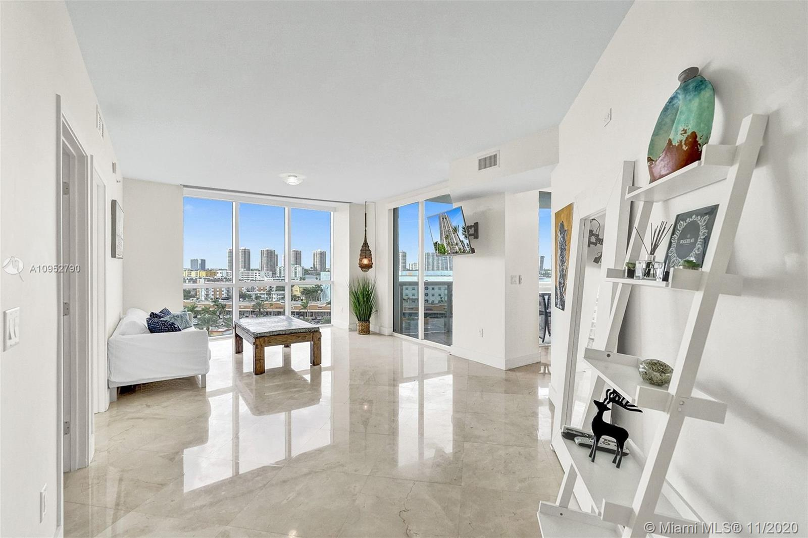 GREAT INVESTMENT - PRICE REDUCED. Luxurious 2 Bedroom / 2 Bathroom in Trump Royale. Stainless steel