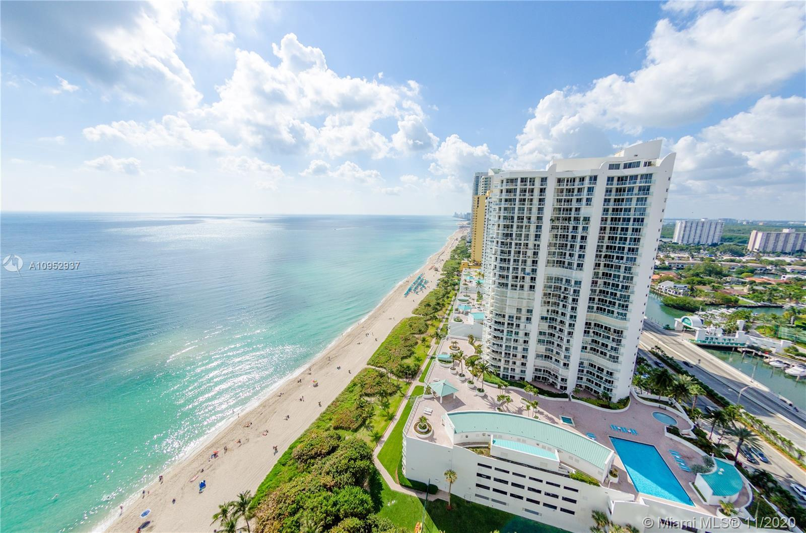 MAGNIFICENT VIEWS OF THE OCEAN AND THE CITY FROM EVERY ROOM OF THIS 2 BEDROOM+DEN,  2.5 BATH UNIT. K