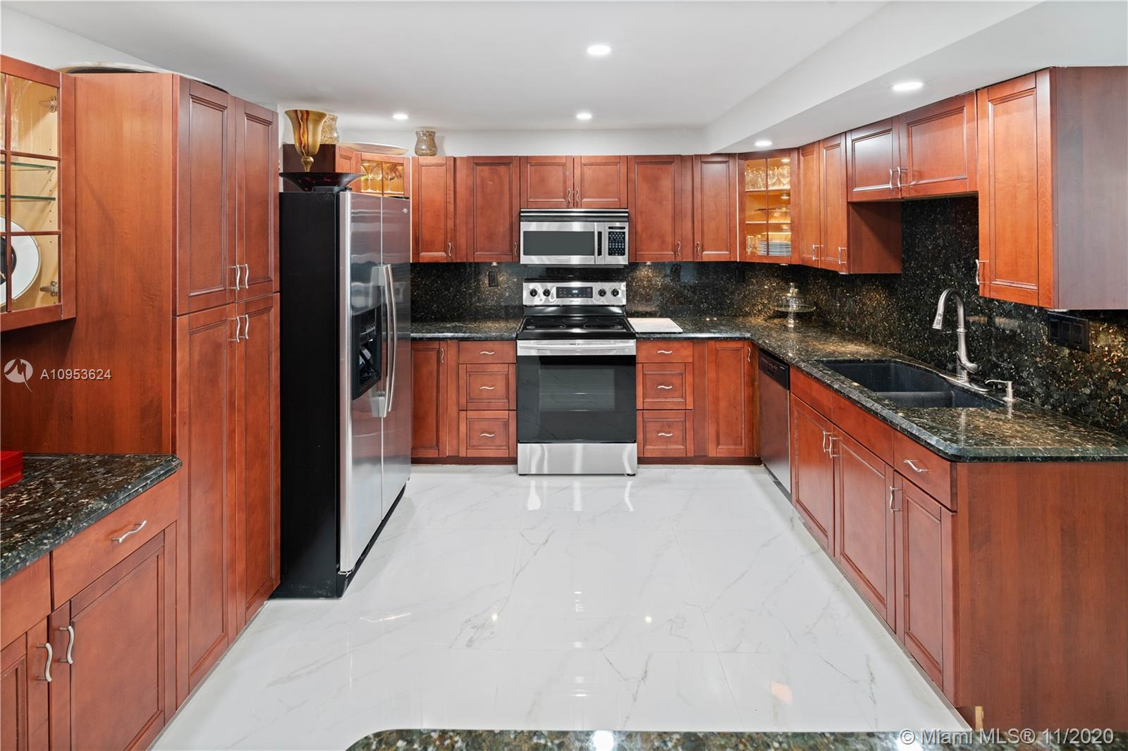 Beautiful 1500 s/f 2.5/2 renovated unit, Over $60,000 in upgrades within last 2 years…including high