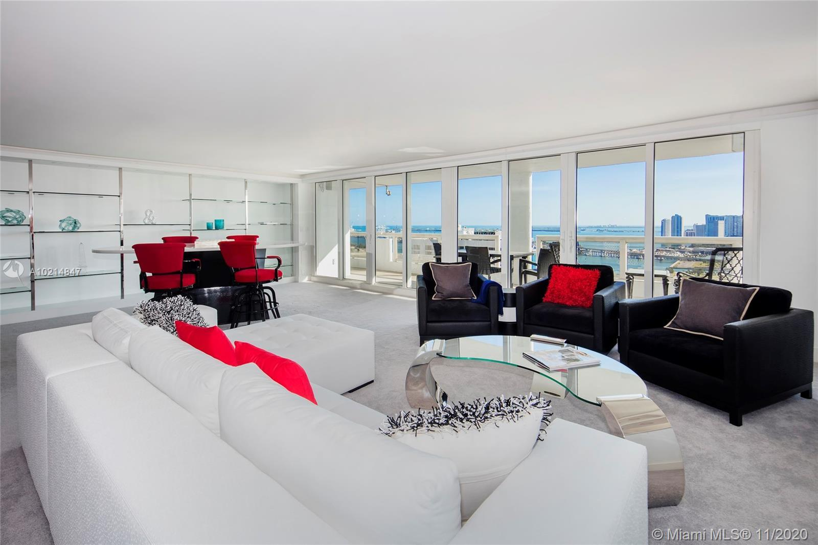 This amazing Penthouse in the /sky at The GRAND features breathtaking panoramic views over the Atlan