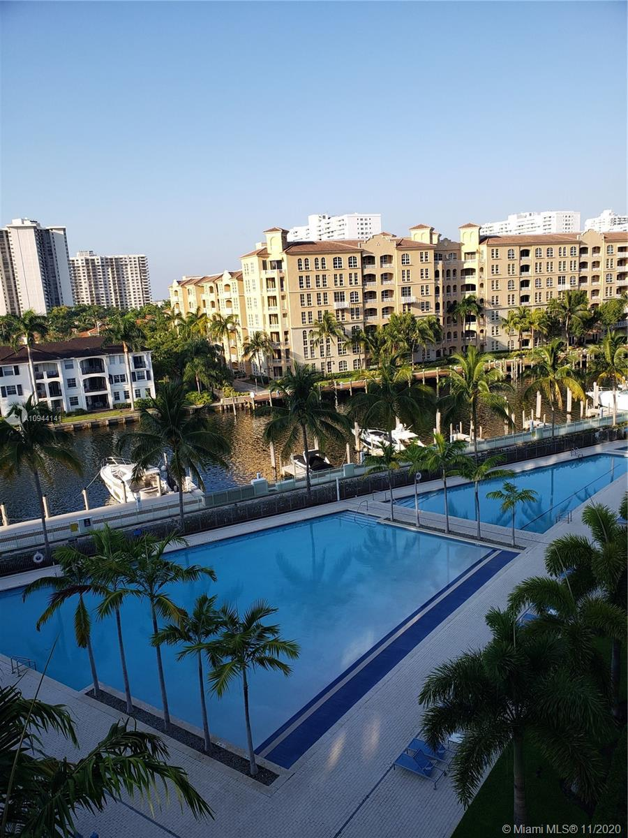 Gorgeous Unit 2Bed + Den, 3 full baths in Artech Residences; With pools and water views. Artech is d
