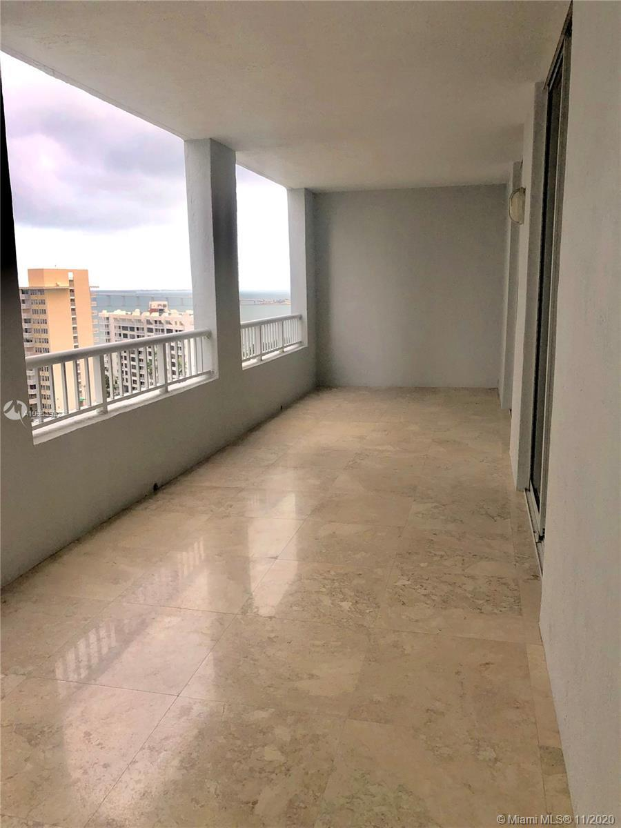 Beautiful 2 bedroom 2 bath in the heart of Brickell. Oversized balcony with bay views, marble floors