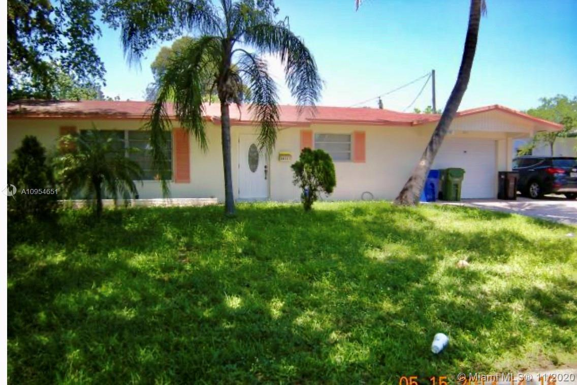 CENTRALLY LOCATED  SOUTH FLORDA FORT LAUDERDALE SINGLE FAMILY HOME 3 BEDROOMS 2 BATHROOMS OVER SIZE