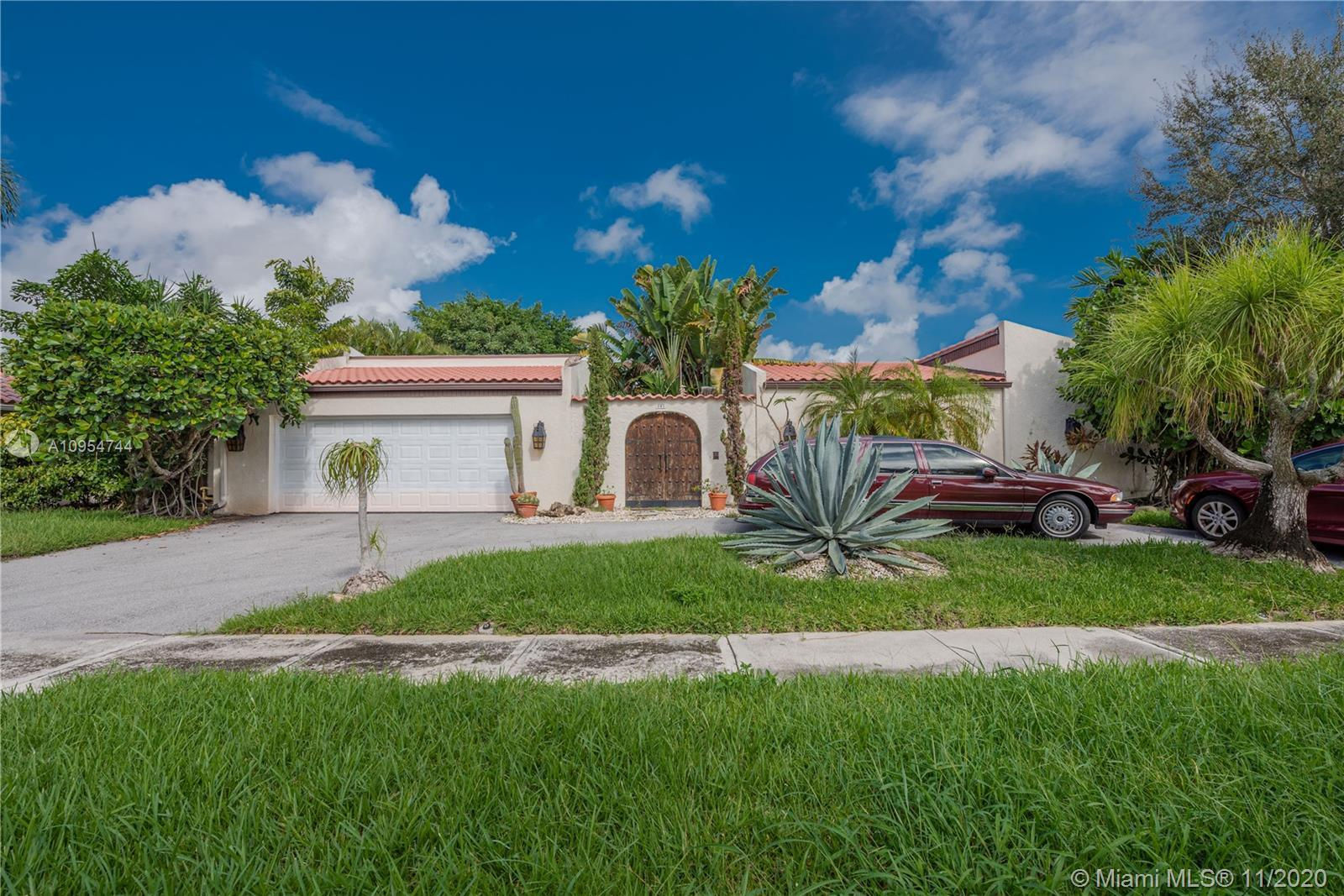 PALM BEACH FARMS! One of a kind spacious one story, 4 Bedroom 3 Bathroom single family house with in