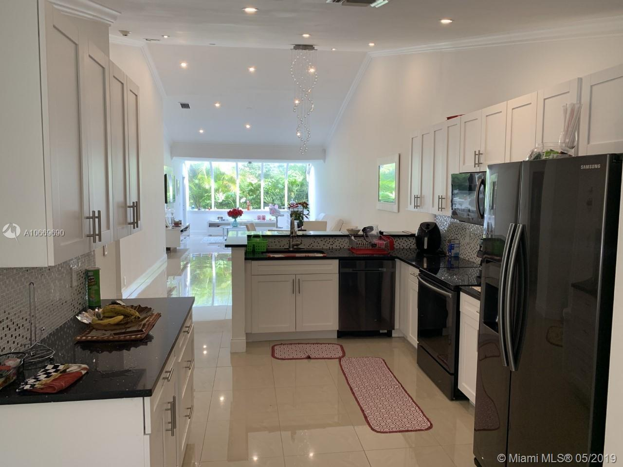 Lovely Villa at Boca Pointe. Gated community, pool, hat tub and clubhouse. HOA includes Roof replace