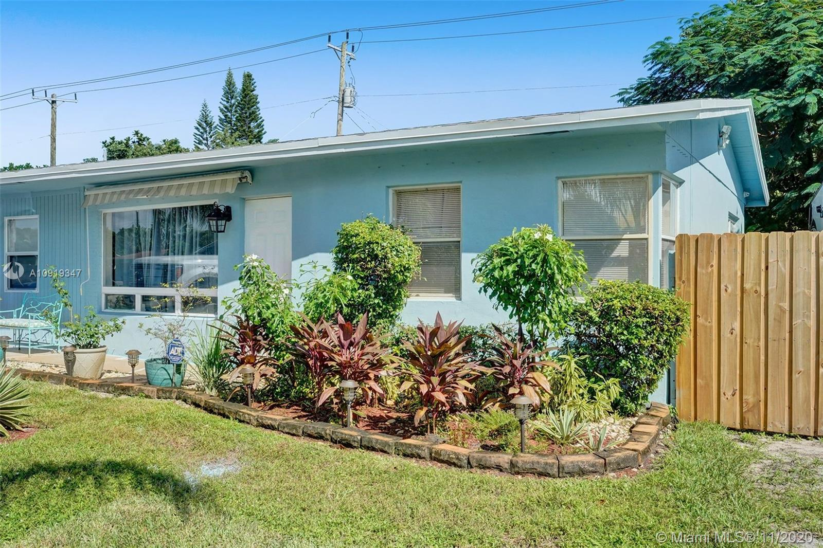 Opportunity knocks to own a cozy 3/2 on a huge corner lot in Cresthaven of Pompano Beach.  An Open f