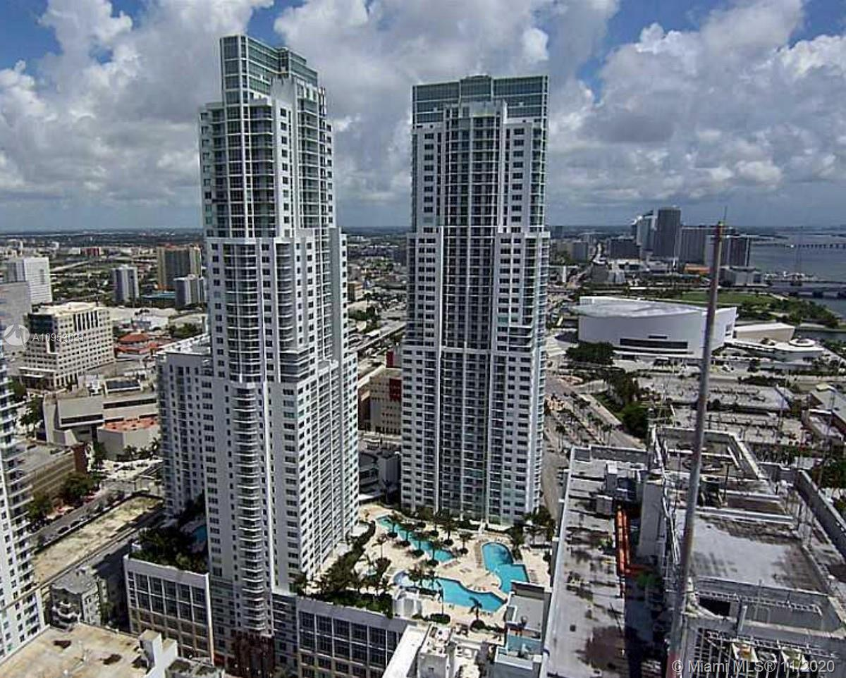 Spectacular 1BR / 1BA in Vizcayne South Tower! Berber carpet. One assigned parking spot. Western exp