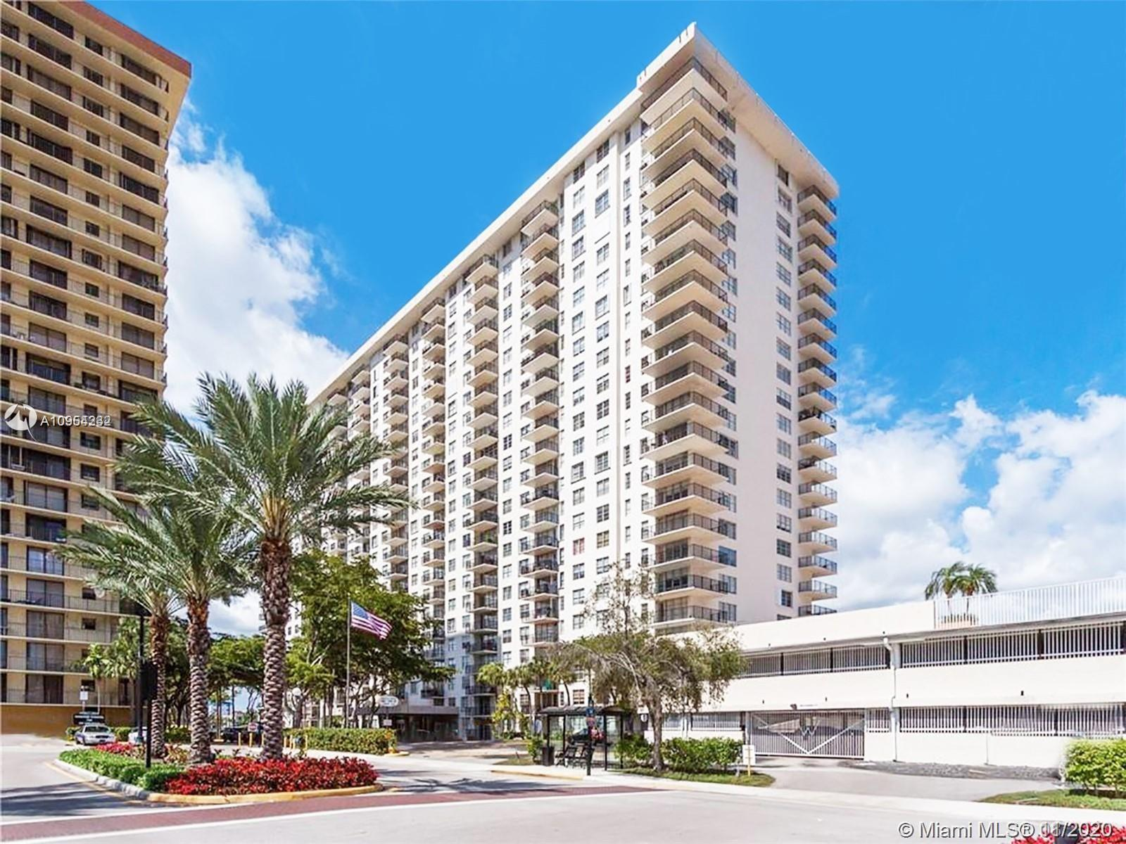 AMAZING  WATER VIEW, READY TO MOVE, GREAT LOCATION,HEART SUNNY ISLES BCH, NICE UNIT, VERY SECURE BUI