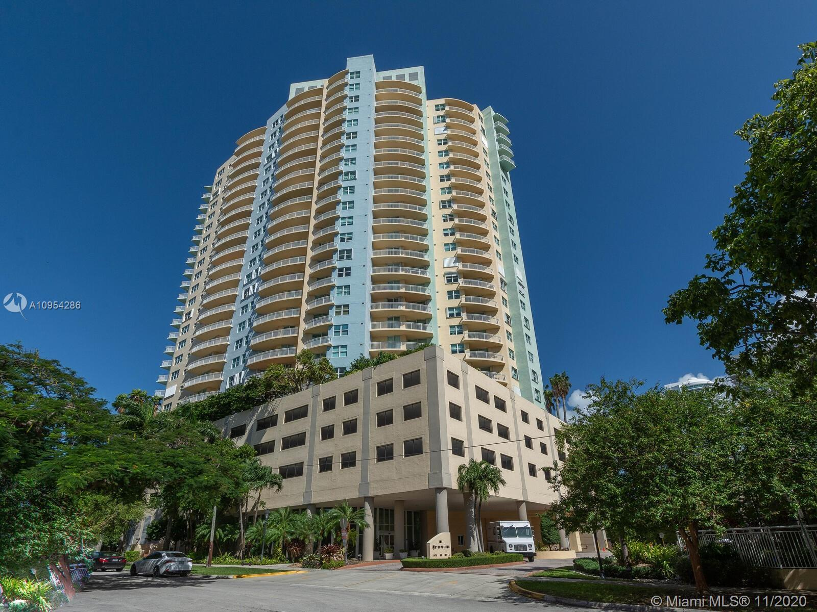 Welcome home and enjoy stunning Brickell skyline and Biscayne Bay views from this spacious and super