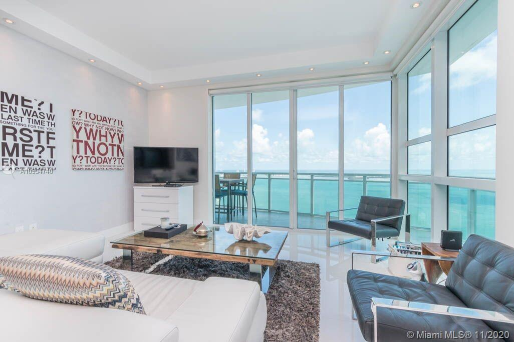 Large 2 -2.5 bath southeast corner condo on 48th floor w/ spectacular views of the Panoramic-Unobstr