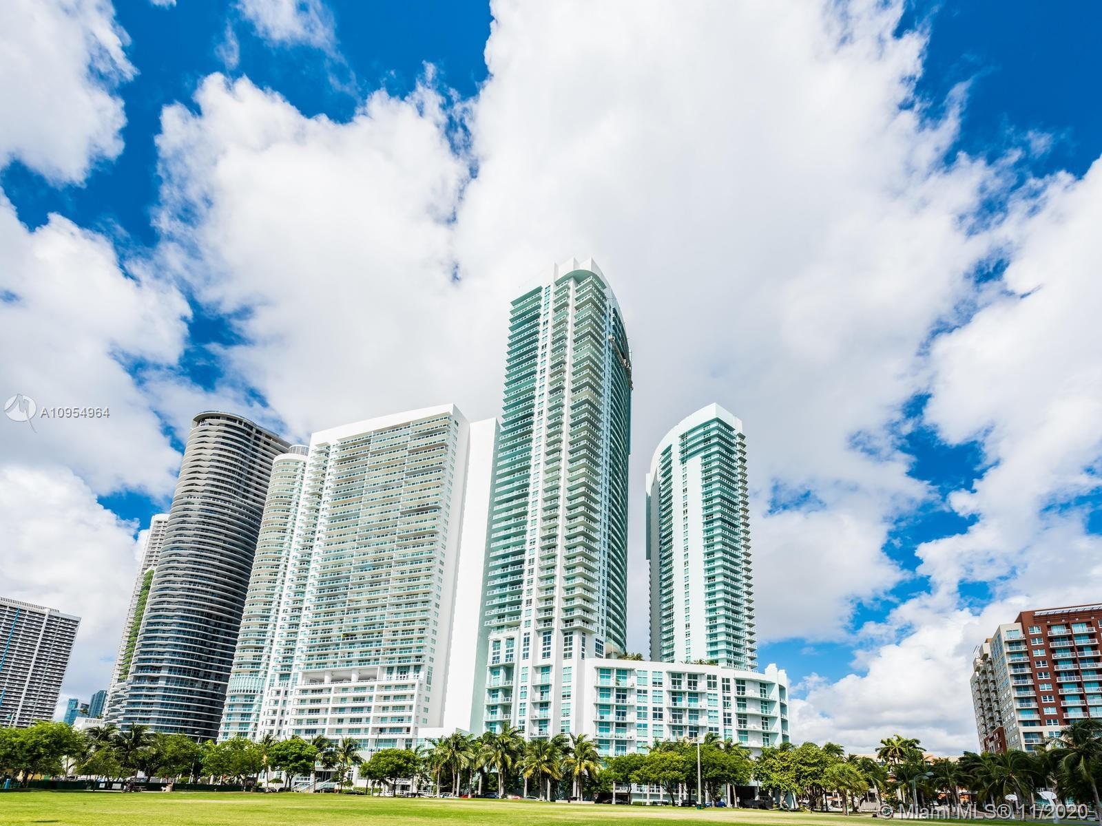 SPECTACULAR WATER VIEWS!**QUANTUM ON THE BAY**LUXURY GORGEOUS CONDO! THIS UNIT FEATURES LARGE WRAP-A
