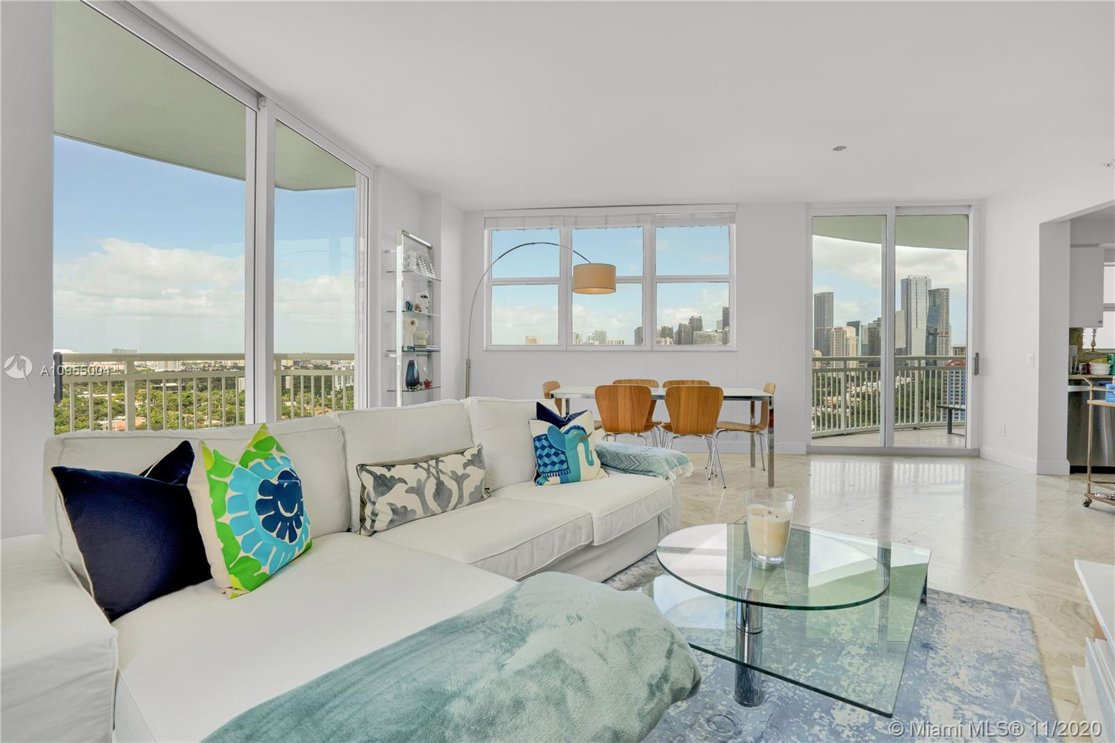 Serene setting on Brickell Ave. Superb location for easy access. Stunning views of Miami skyline, Br