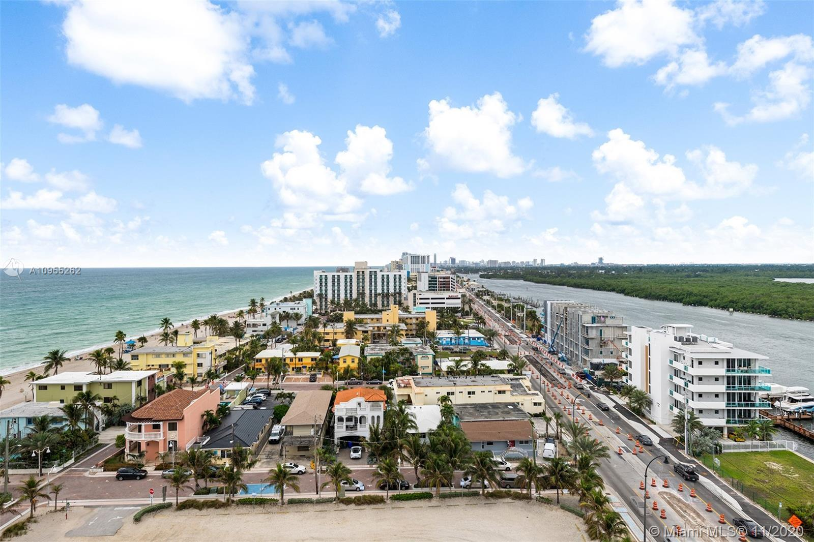 Perfectly located on Hollywood Beach Broadwalk! Walking distance to Margaritaville and other restaur