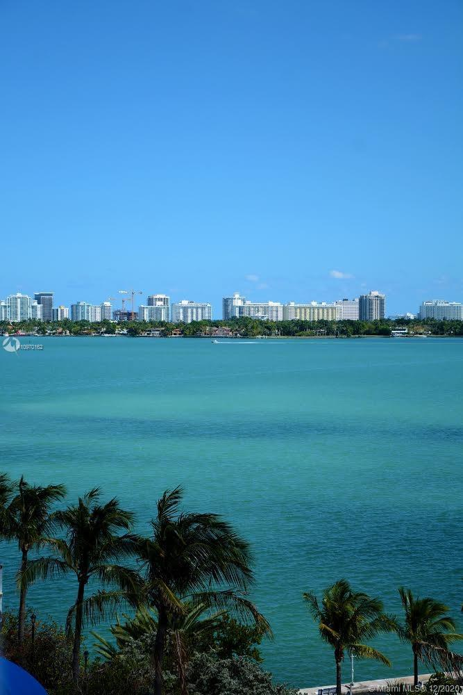 A Must see… Gorgeous!!!!! Waterfront Condo, with unobstructed views.  2Bed & 2Bath, split floor plan