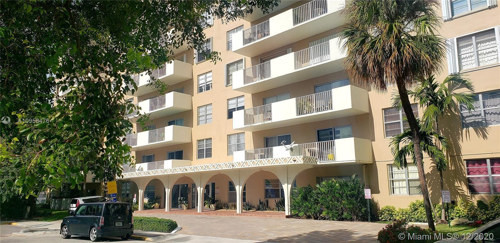 Just 4 miles away from Miami Beach this fully renovated unit with plenty of closets space, sits besi