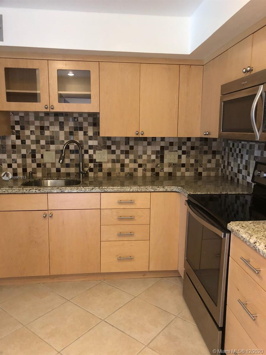 IN DESIRABLE FAIRWAYS OF EMERALD HILLS, LOCATED ON THE 3RD FLOOR, 2 BED/ 2.5 BATH LARGE AND SPACIOUS