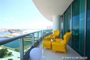 Stunning 3 bedrooms plus den and 4 full bathrooms with amazing views of south beach, port of Miami a