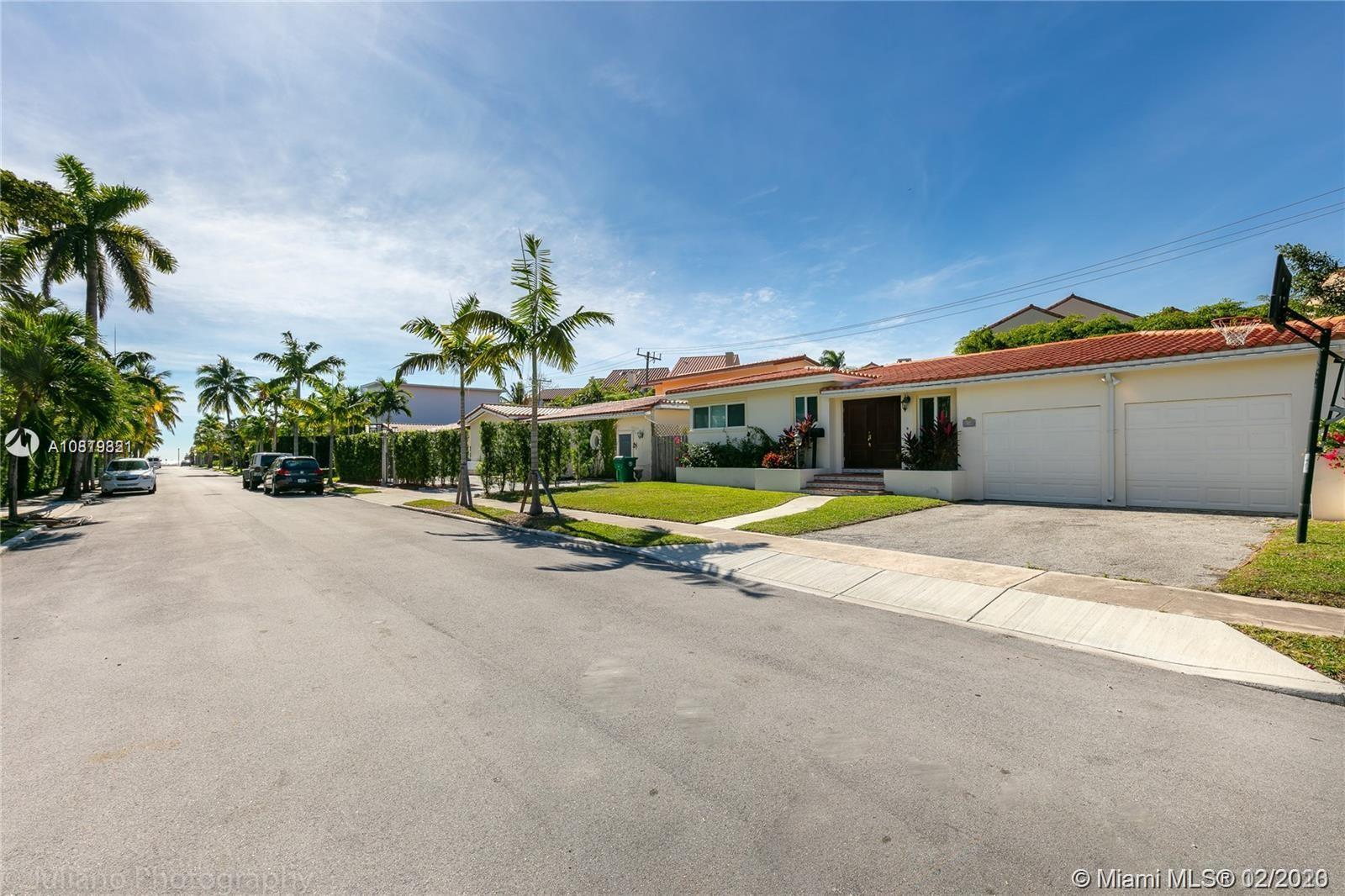 Beautiful house at the desirable CRYSTAL VIEW CT - the most prestigious NE Coconut Grove location! S