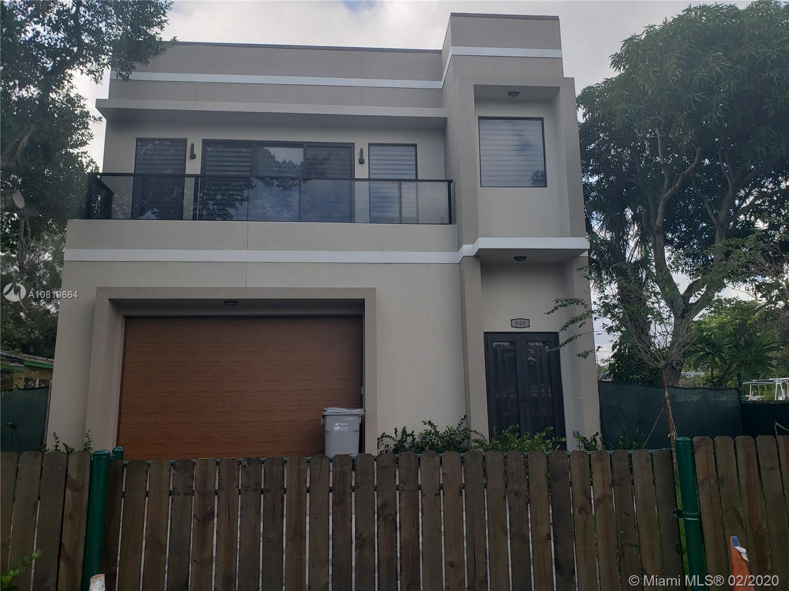AMAZING NEW BRAND HOUSE!!!!! More than 4000 square feet, two floors, garage enough to park 8 cars or