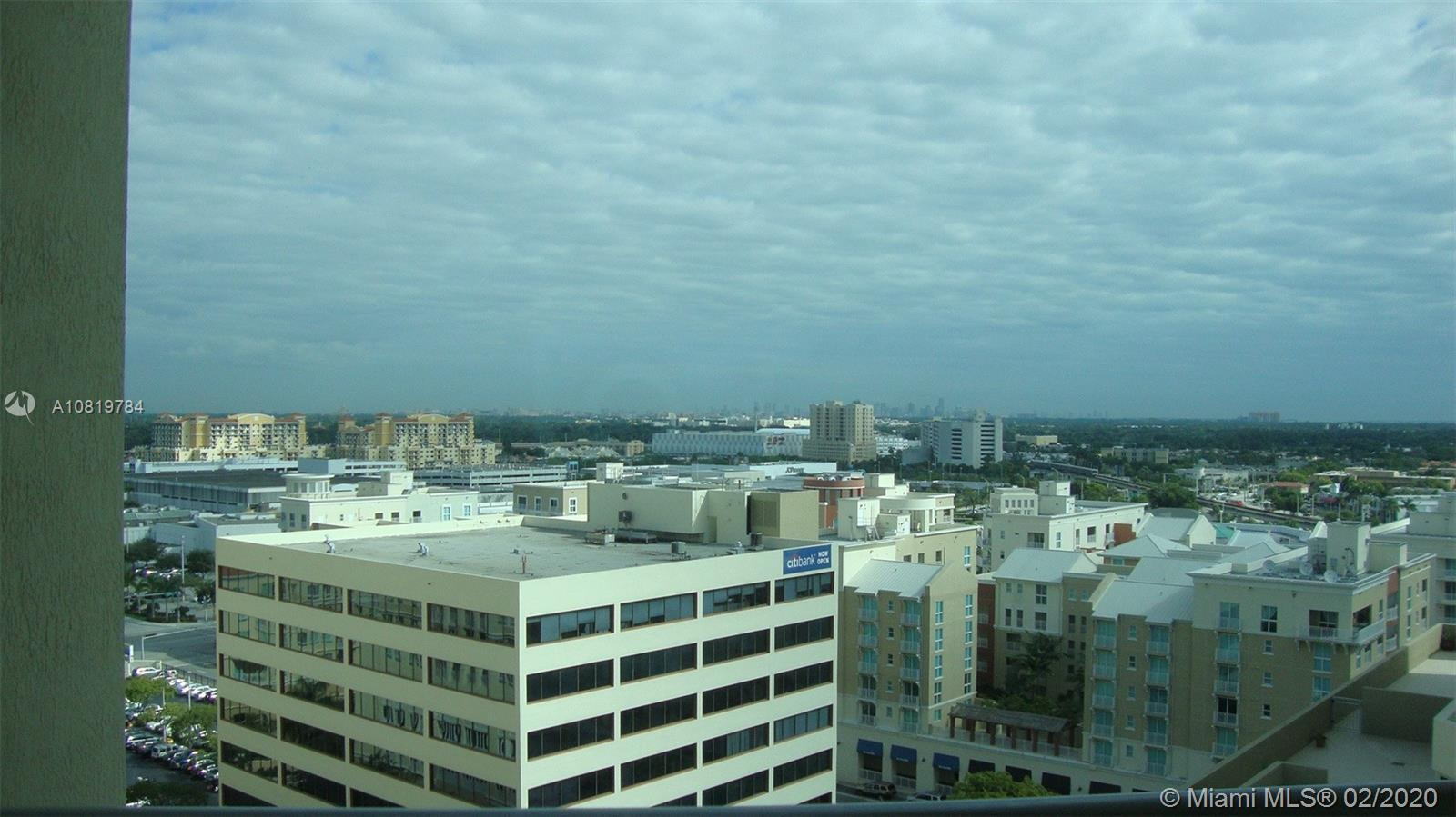 SPACIOUS 2 BEDROOM 2 BATHROOM + DEN APARTMENT IN THE HEART OF DOWNTOWN DADELAND. READY TO MOVE IN ..