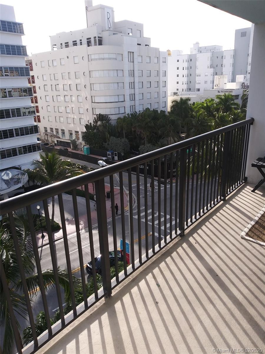 1 Bedroom and 1.5 Bath. Just across from the beach, close to Lincond Road and South Beach. Renting O