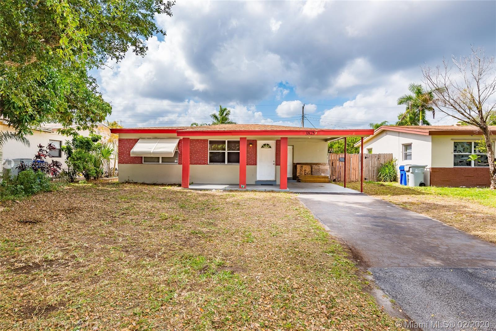 PERFECT FIRST TIME BUYER HOME! This is a Great Affordable East Pompano Beach Location, Minutes to Be