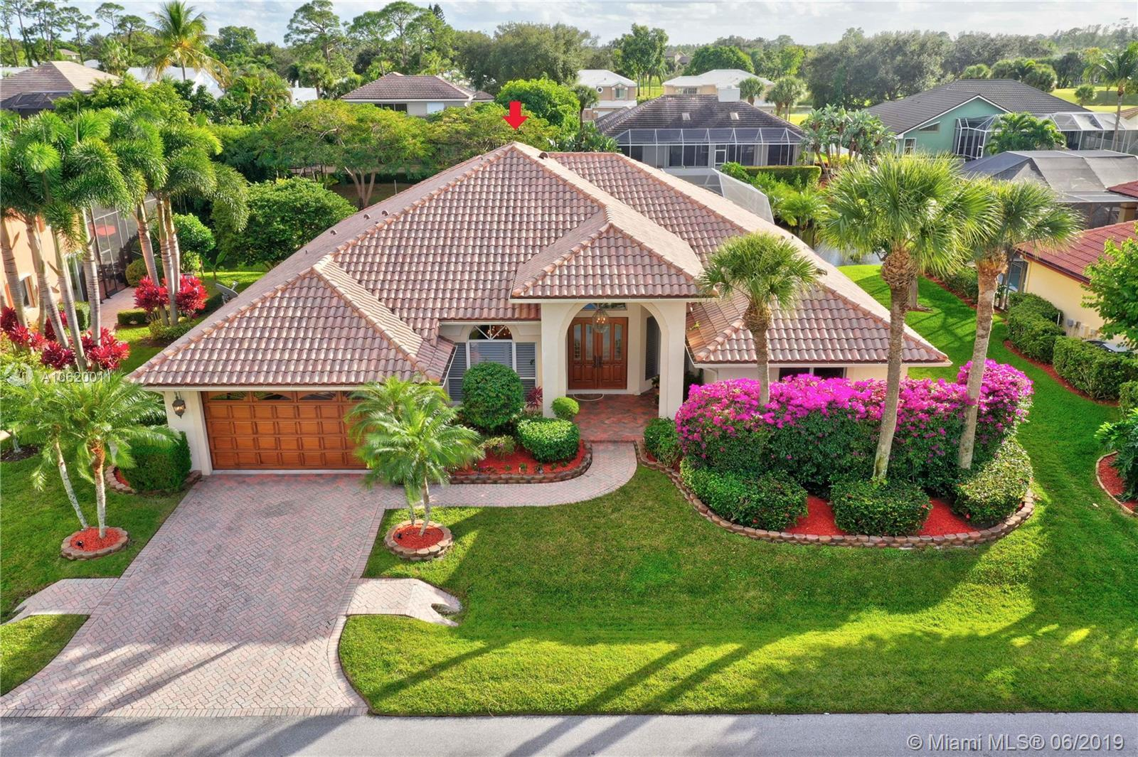 Waterfront 4/3/2 Split Floor Plan home w/ocean access in Jupiter/Tequesta. Elegance and a Tropical A