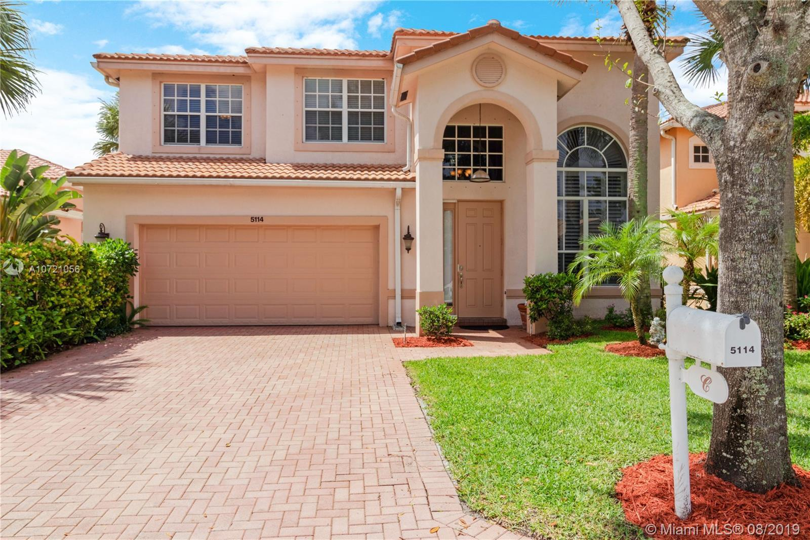 BEST DEAL!!! Spacious 5BR/3BA, 2-story model like home. located in gated community of Colony Preserv