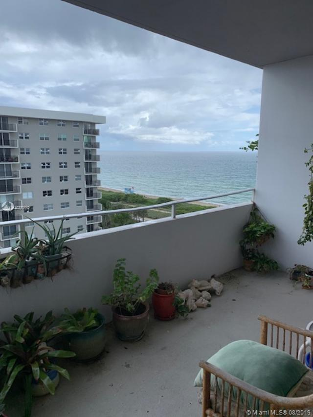 REDUCED!!!  BEAUTIFUL APARTMENT IN A PRESTIGOUS ARE ON THE BEACH. OCEAN FRONT BUILDING WITH FULL AME