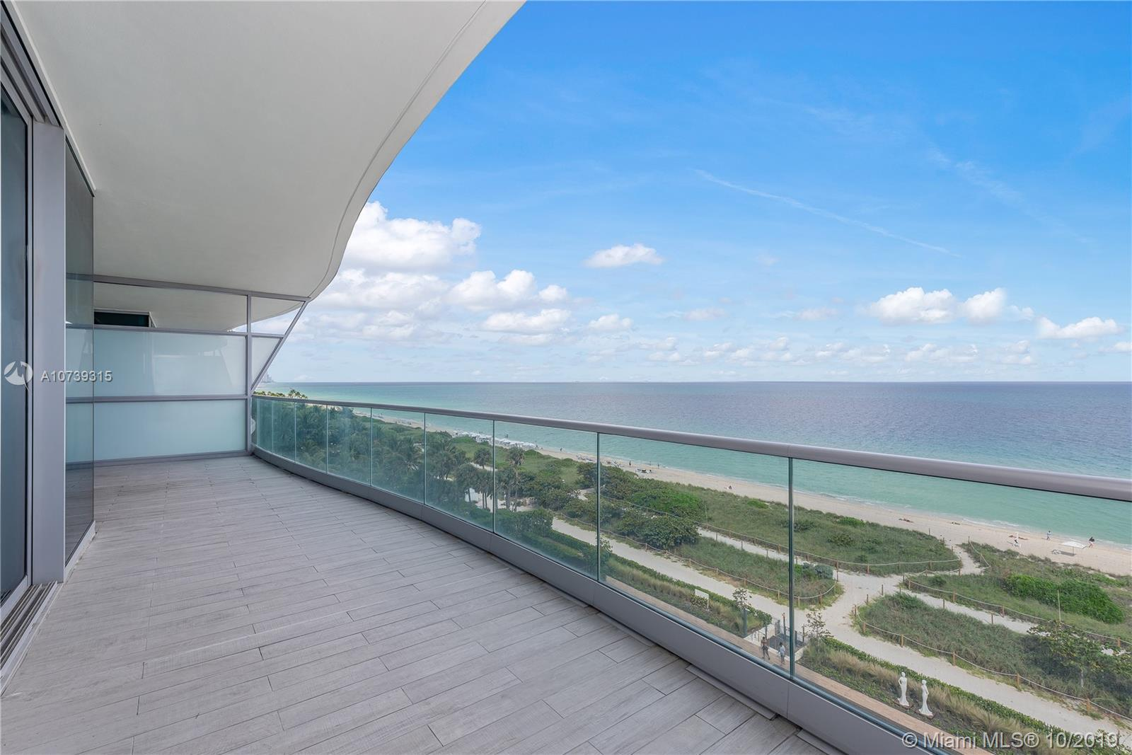 Located on the East side of Chateau, this jaw dropping unit is a once in a life time opportunity. Be