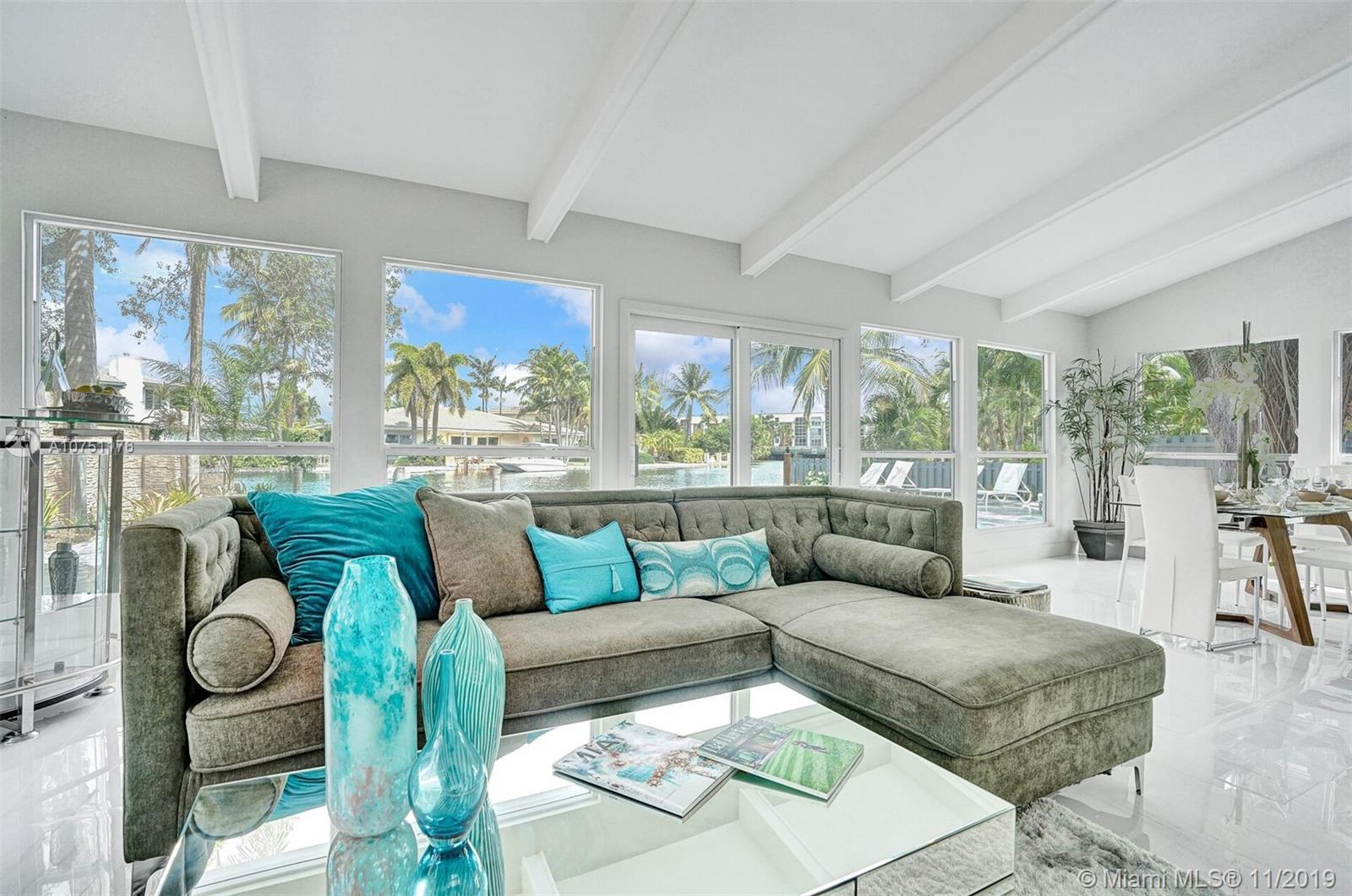 Live the Lifestyle Of Luxury Waterfront  In This Estate Home,2 Bed 2 Bath High End Renovation In E.