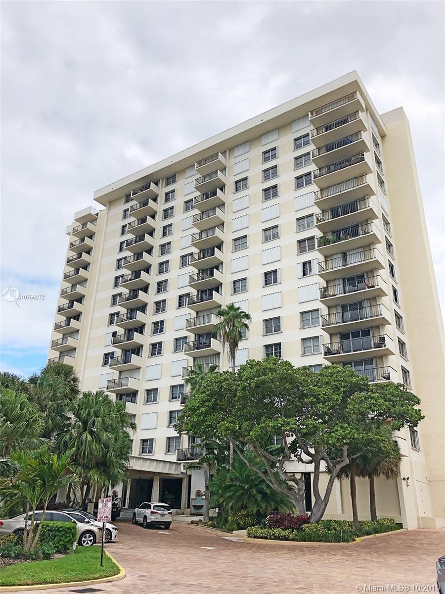 WELCOME TO RESORT LIVING ON THE BEACH. LOCATED IN LAUDERDALE BY THE SEA this 2 bedroom/2 bathroom un