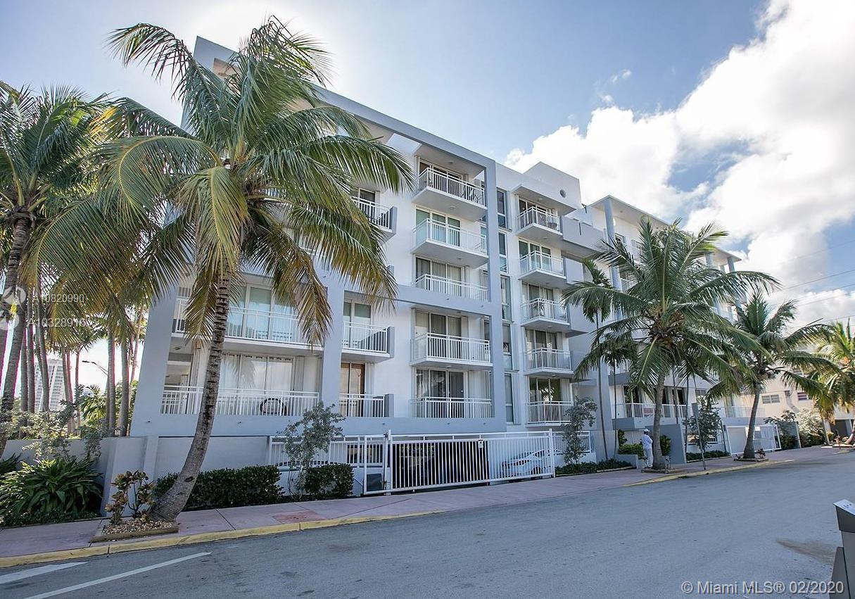 Gorgeous over size 2/2 corner unit. Just a few steps from the beach. Unit is completely remodel with