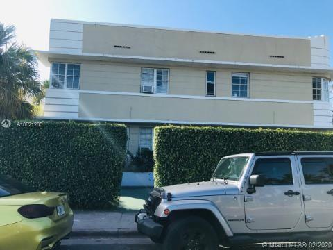 Studio on Michigans Ave close to Beach, Flamingo Park, Shops, Boys/Girls Club. Fantastic walkable re