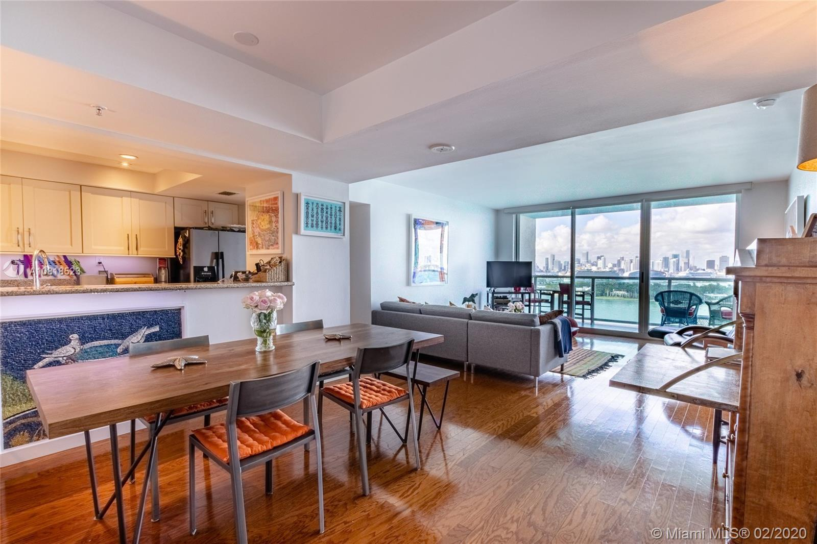 Enjoy breathtaking Bay and downtown skyline's view from this one-of-a-kind 3-bedroom unit.  This is