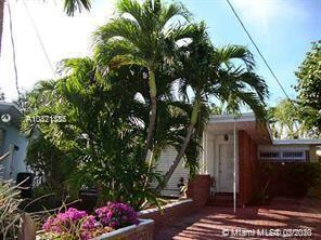 PERFECT BEACH HOME! TWO LARGE BEDROOMS. ARCHITECTURAL GEM. FURNISHED. NEW A/C, SS GAS RANGE, LAUNDRY