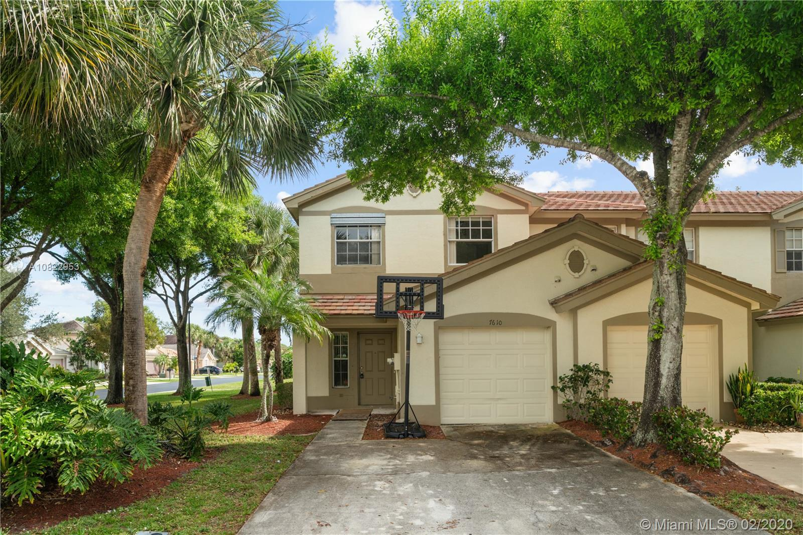 Great home in a wonderful gated community walking distance to schools. Freshly painted interior with