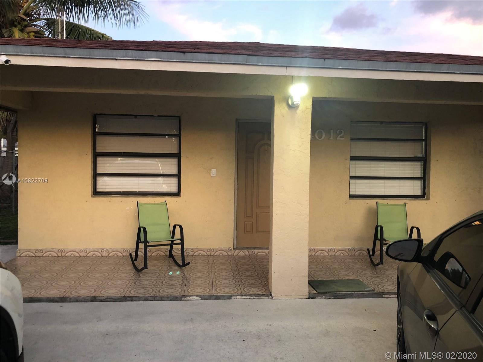 Beautiful house located in a central location near the airport,school,shopping centers and the beach