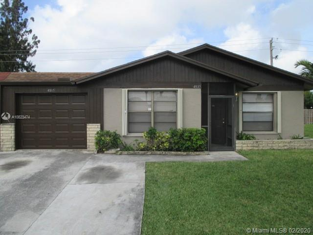 2 bed 2 bath villa with 1 car garage.  Den/office could be 3rd bed.  Fresh interior paint and new ca