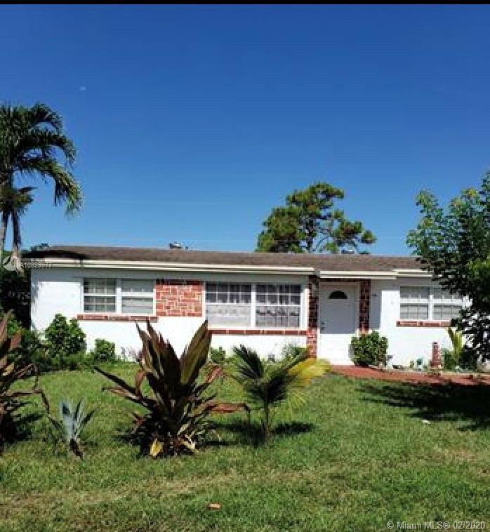 AMAZING 3 bedrooms/2bathrooms Turn Key Property with no HOA.  Great for Investors or excellent start