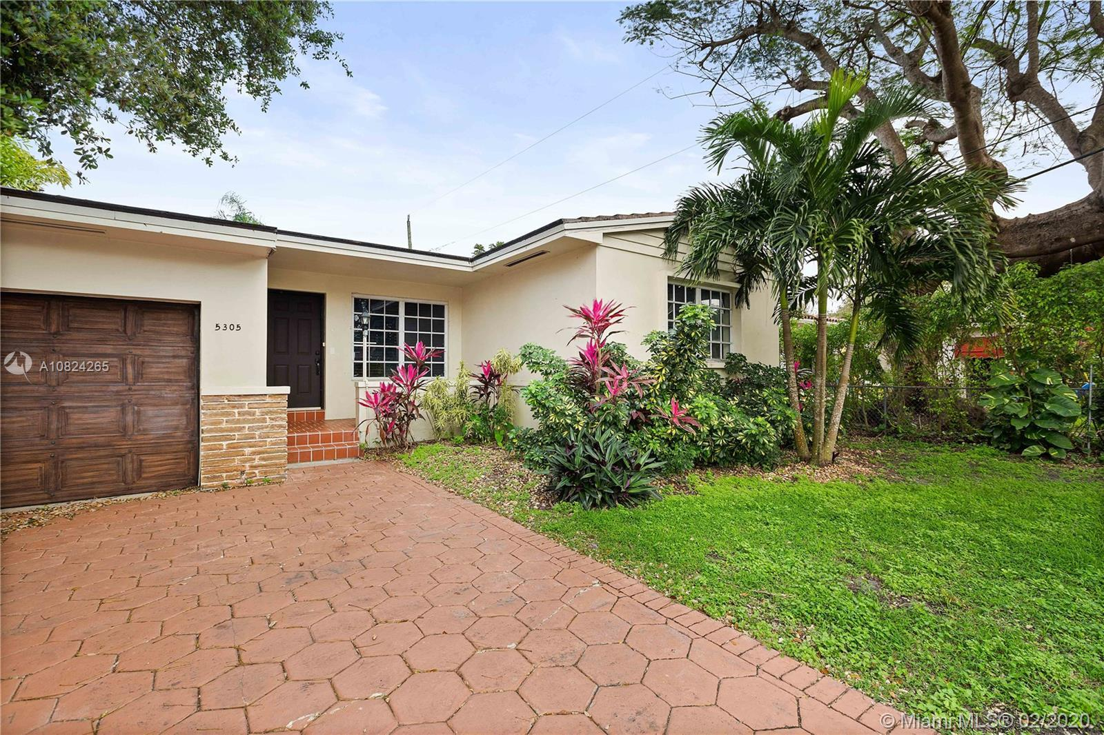 Exceptionally located in Coral Gables just a short walk from the University of Miami. This lovely 3-
