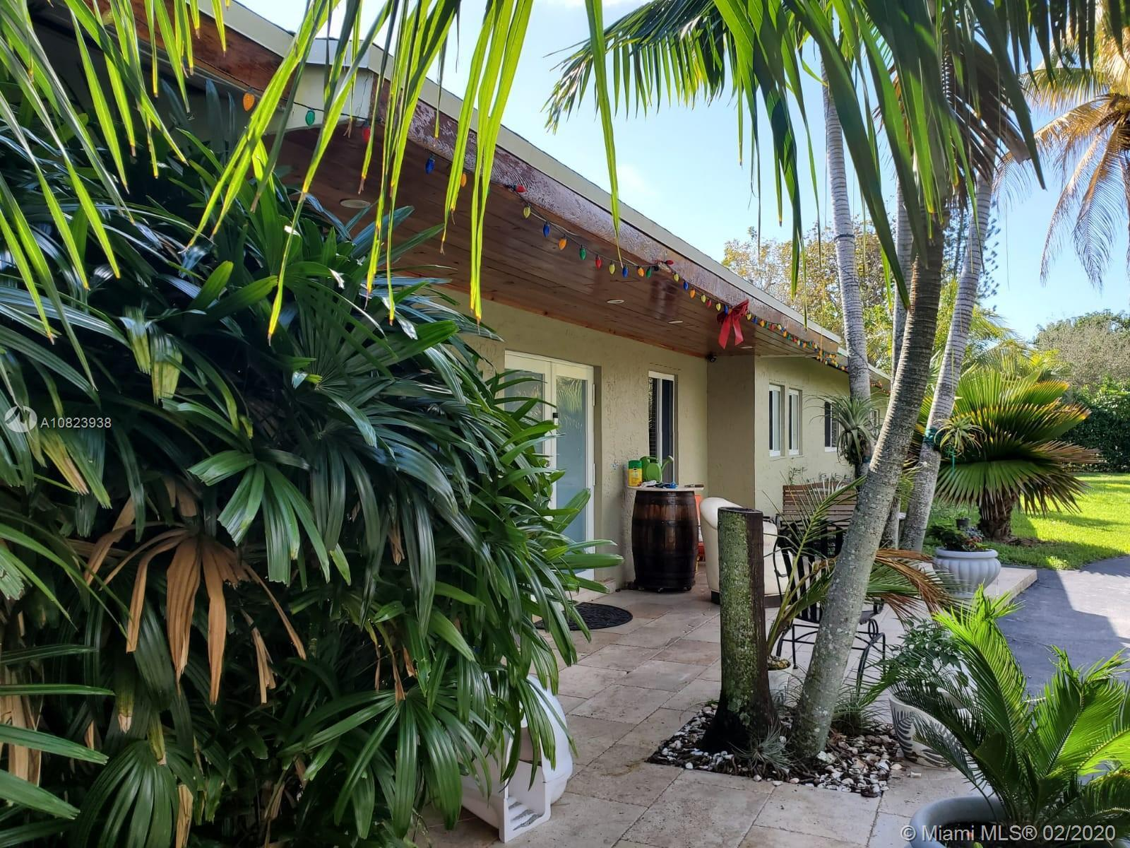 5/4 SINGLE STORY HOUSE WITH A SPECTACULAR CORNER LOT IN THE HEART OF PINECREST. THE HOME IS OVER 3,3