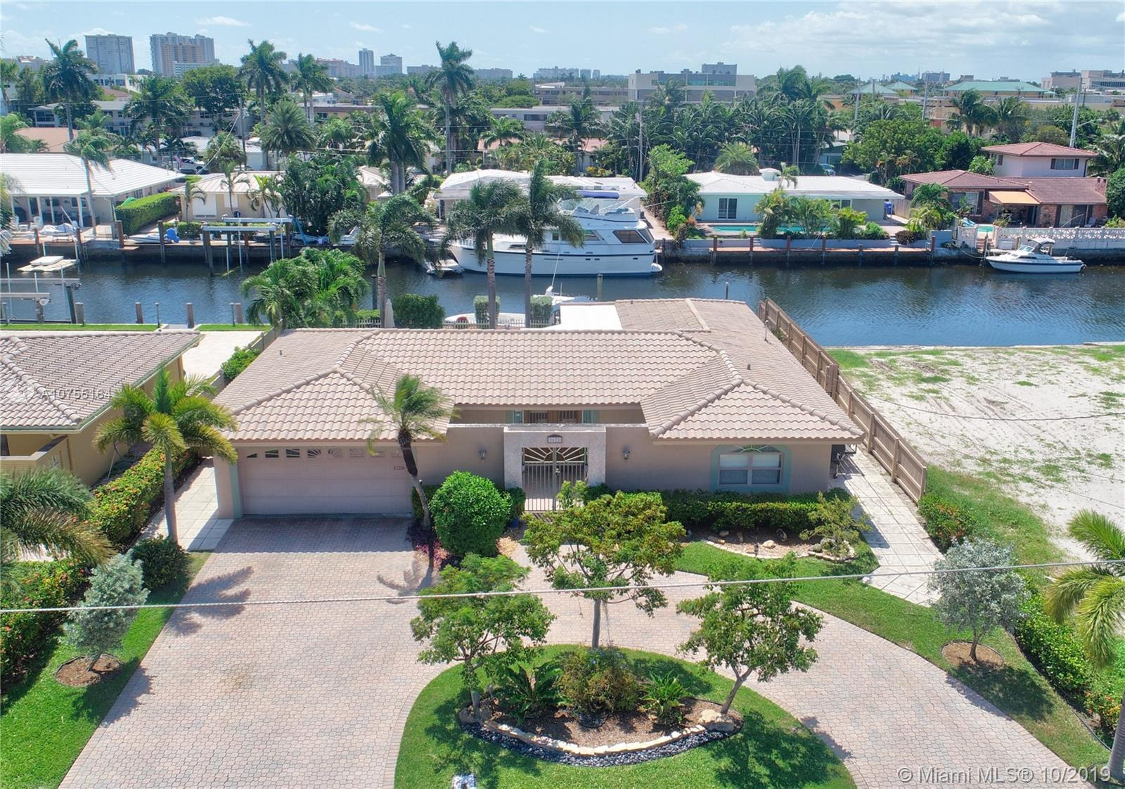 Harbor Village waterfront pool home offers 3 bedrooms, 2 baths, indoor laundry, 2 car garage.  Prefe