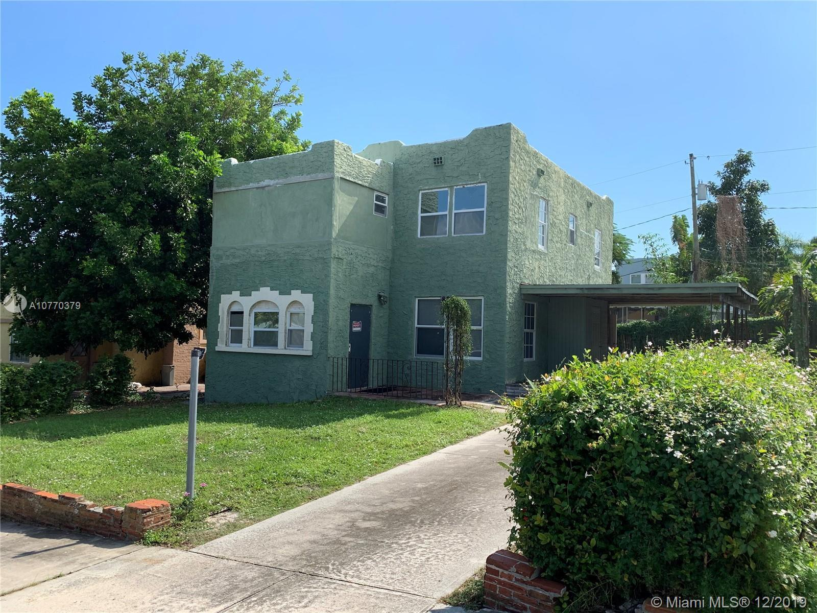 Beautiful historic 2 stories home fully updated and ready to move in. Perfect as a primary home or i