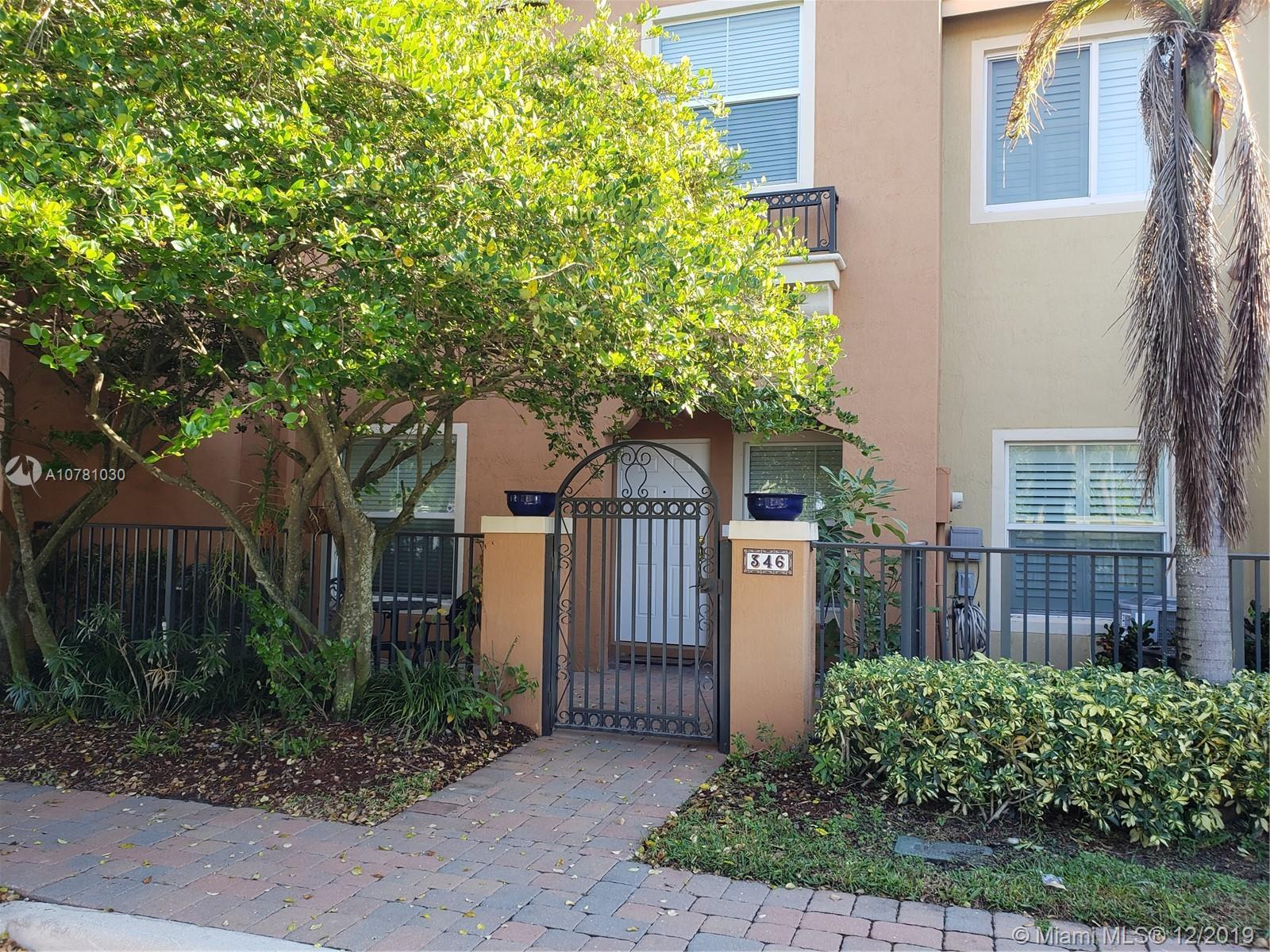 Beautiful unit, well maintained. Gated community, 5 minutes from Downtown Delray Beach, close to I 9