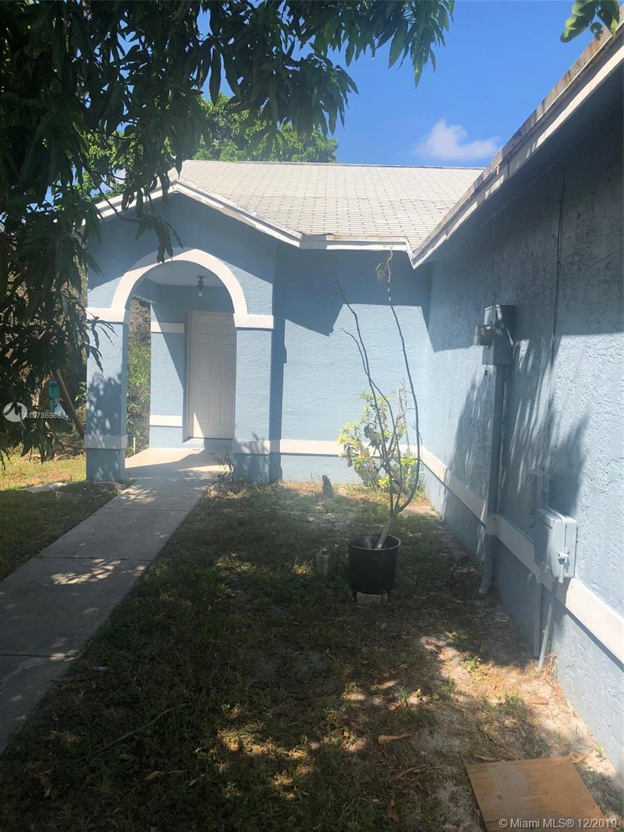 Remarkable 2 bedroom 2 bathroom remodeled home to look brand New! Stainless steel appliance, marble